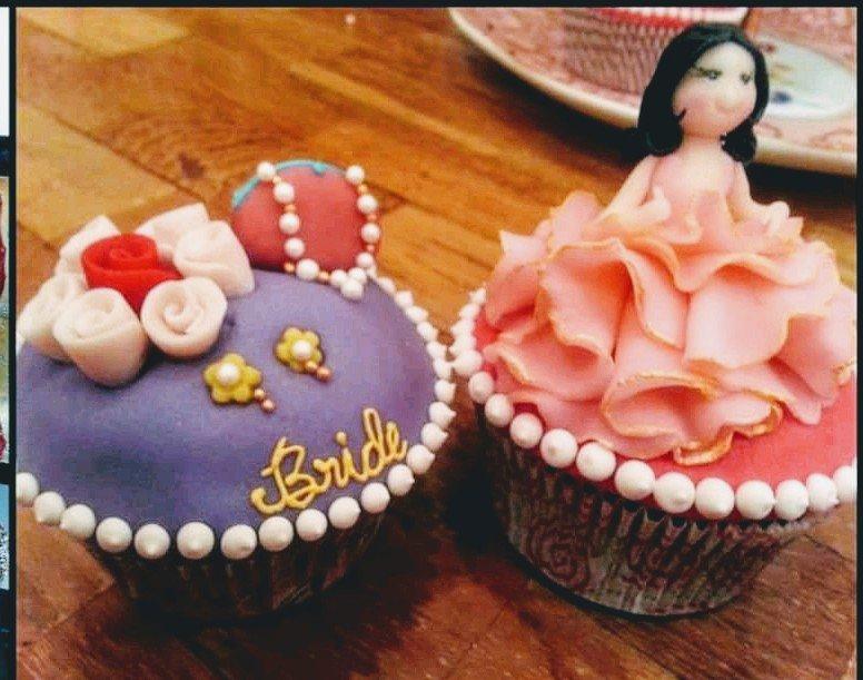 Bachelorette party Cupcake